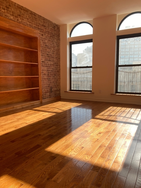 3 Bedrooms, Washington Heights Rental in NYC for $2,595 - Photo 1