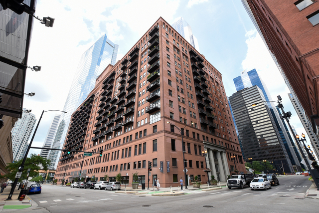 2 Bedrooms, West Loop Rental in Chicago, IL for $2,450 - Photo 1