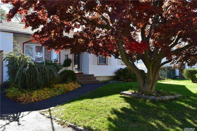 4 Bedrooms, Brentwood Rental in Long Island, NY for $3,200 - Photo 1