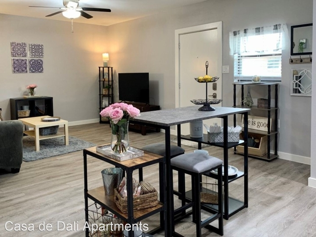 2 Bedrooms, Woodland Heights Rental in Houston for $1,699 - Photo 1