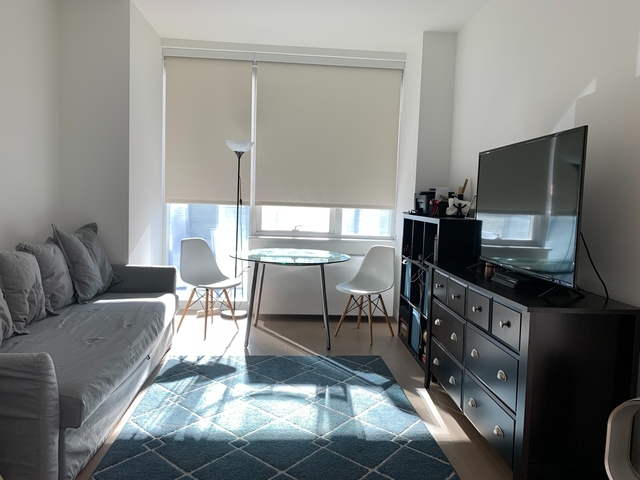 1 Bedroom, Long Island City Rental in NYC for $2,293 - Photo 1