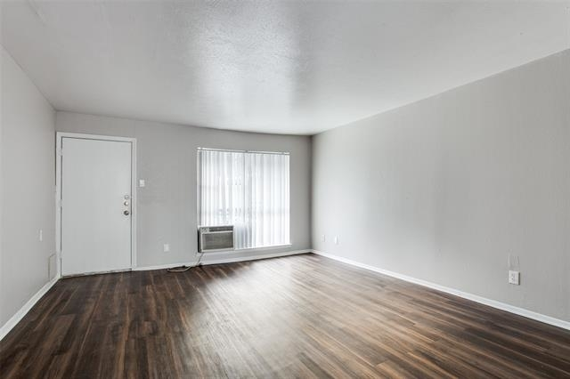 1 Bedroom, Lovers Lane Rental in Dallas for $925 - Photo 1