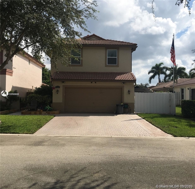 4 Bedrooms, Lakes of Newport Rental in Miami, FL for $2,900 - Photo 1