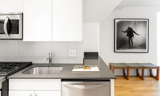 2 Bedrooms, Upper East Side Rental in NYC for $6,199 - Photo 1