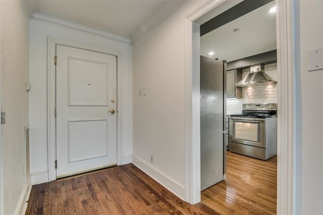 2 Bedrooms, Highland Park Rental in Dallas for $3,000 - Photo 1