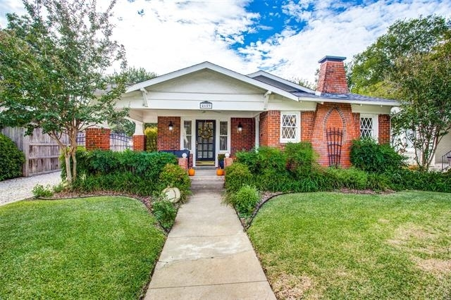 2 Bedrooms, Arlington Heights Rental in Dallas for $1,900 - Photo 1