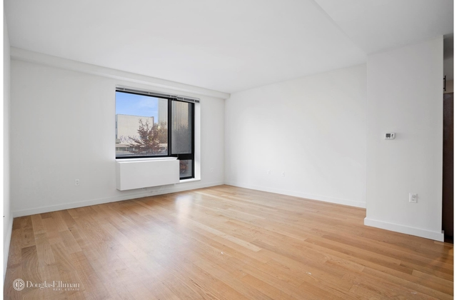 2 Bedrooms, Hunters Point Rental in NYC for $3,179 - Photo 1