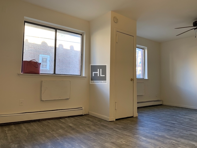 1 Bedroom, South Corona Rental in NYC for $1,600 - Photo 1