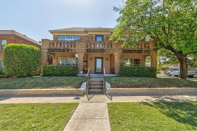 2 Bedrooms, Arlington Heights Rental in Dallas for $1,350 - Photo 1