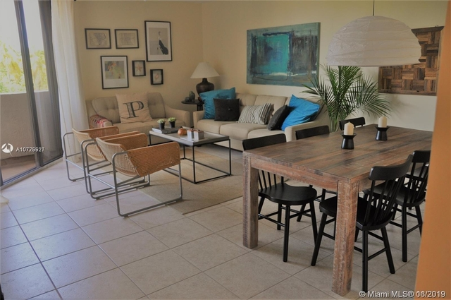 3 Bedrooms, Village of Key Biscayne Rental in Miami, FL for $2,450 - Photo 1