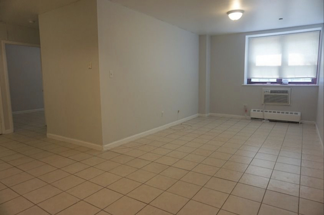 3 Bedrooms, Hell's Kitchen Rental in NYC for $3,131 - Photo 1