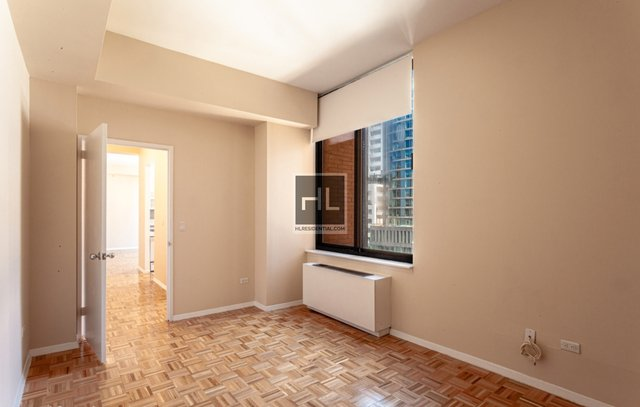 3 Bedrooms, Battery Park City Rental in NYC for $15,000 - Photo 1