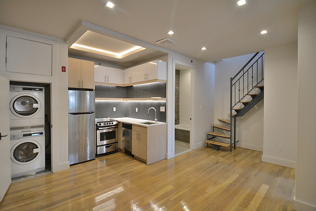 2 Bedrooms, Williamsburg Rental in NYC for $2,975 - Photo 1