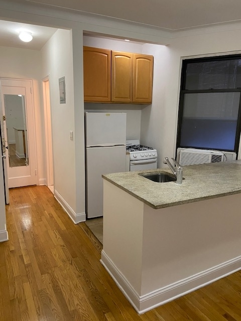 1 Bedroom, Yorkville Rental in NYC for $1,650 - Photo 1