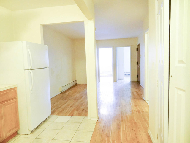 4 Bedrooms, Bedford-Stuyvesant Rental in NYC for $650 - Photo 1