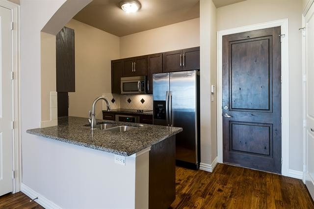 2 Bedrooms, Central Colleyville Rental in Dallas for $1,975 - Photo 1