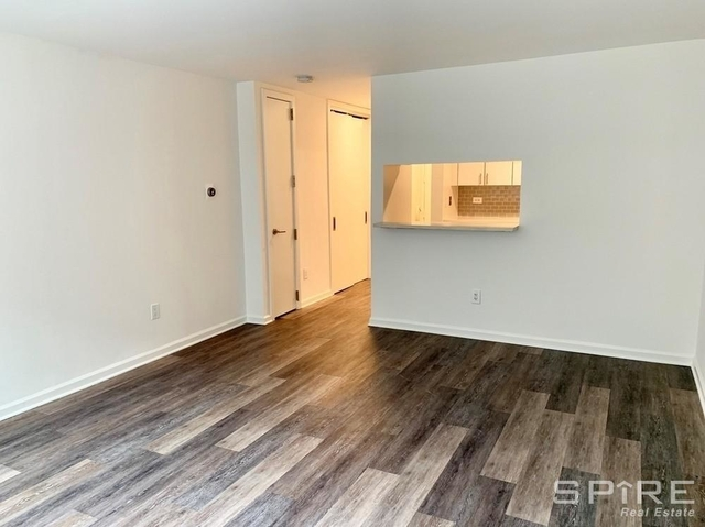 Studio, Hell's Kitchen Rental in NYC for $1,999 - Photo 1