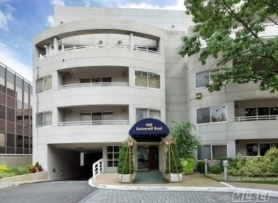 2 Bedrooms, Great Neck Plaza Rental in Long Island, NY for $3,600 - Photo 1