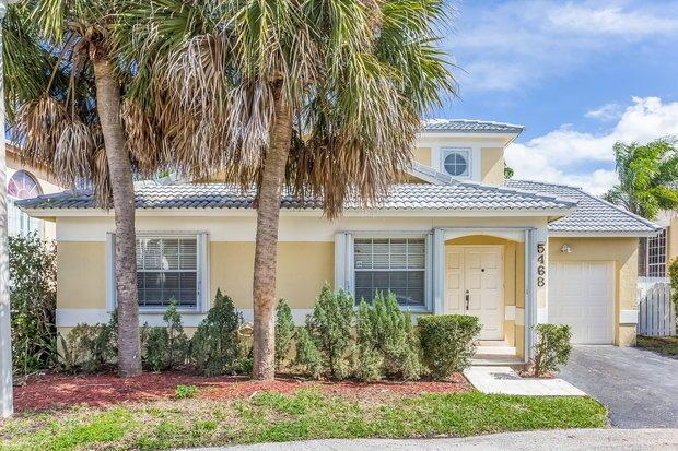 3 Bedrooms, Winston Park Rental in Miami, FL for $2,285 - Photo 1