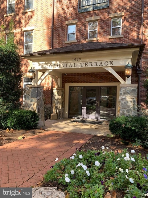 2 Bedrooms, North Rosslyn Rental in Washington, DC for $2,800 - Photo 1