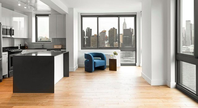 2 Bedrooms, Hunters Point Rental in NYC for $5,745 - Photo 1