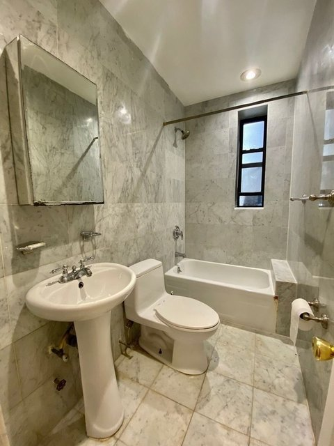 2 Bedrooms, Turtle Bay Rental in NYC for $3,750 - Photo 1