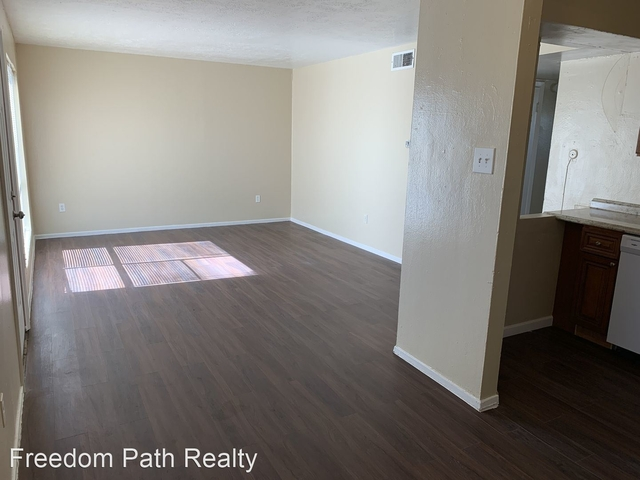 2 Bedrooms, Downtown Pasadena Rental in Houston for $775 - Photo 1