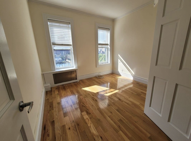 2 Bedrooms, West Village Rental in NYC for $3,000 - Photo 1