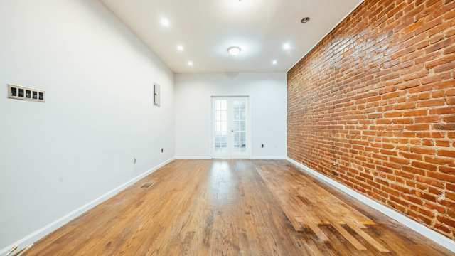 2 Bedrooms, Bushwick Rental in NYC for $2,109 - Photo 1