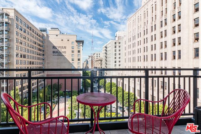 2 Bedrooms, Gallery Row Rental in Los Angeles, CA for $2,900 - Photo 1