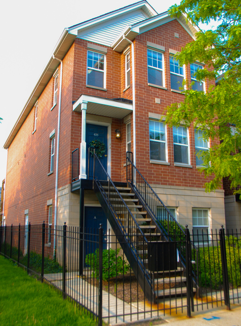 2 Bedrooms, Goose Island Rental in Chicago, IL for $2,500 - Photo 1