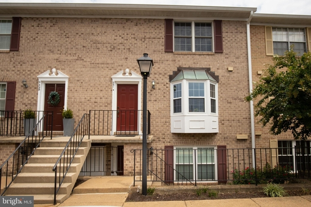 3 Bedrooms, Penrose Rental in Washington, DC for $2,750 - Photo 1