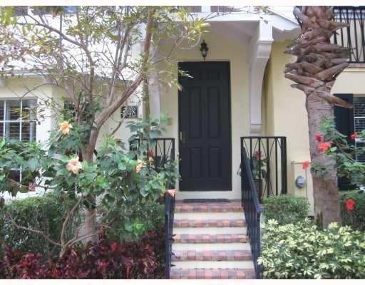 3 Bedrooms, Magnolia Court Rental in Miami, FL for $3,400 - Photo 1