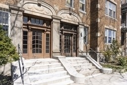 2 Bedrooms, Commonwealth Rental in Boston, MA for $3,900 - Photo 1