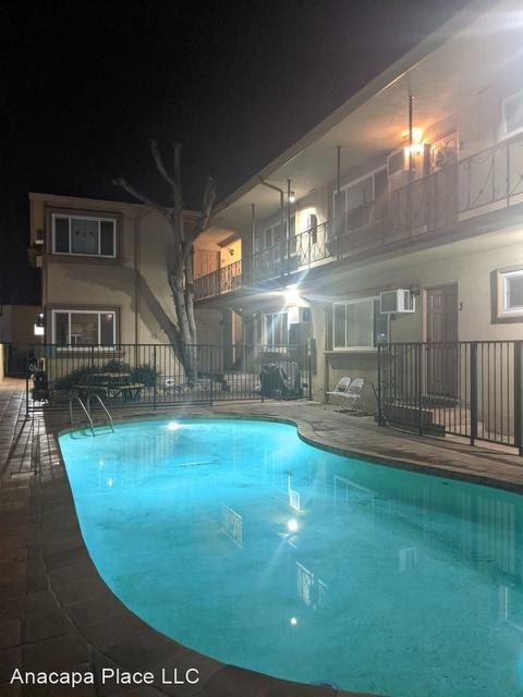 2 Bedrooms, Sherman Oaks Rental in Los Angeles, CA for $2,200 - Photo 1