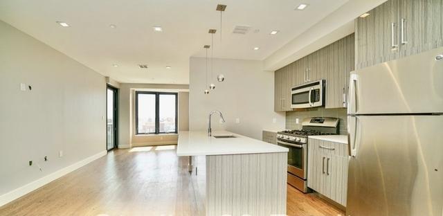 2 Bedrooms, Astoria Rental in NYC for $3,117 - Photo 1