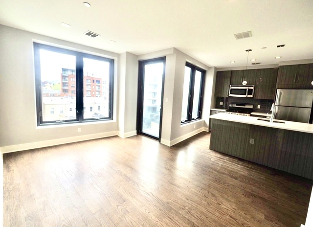 1 Bedroom, Astoria Rental in NYC for $2,287 - Photo 1