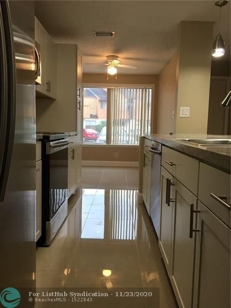 3 Bedrooms, Townhouses at Jacaranda Condominiums Rental in Miami, FL for $2,200 - Photo 1