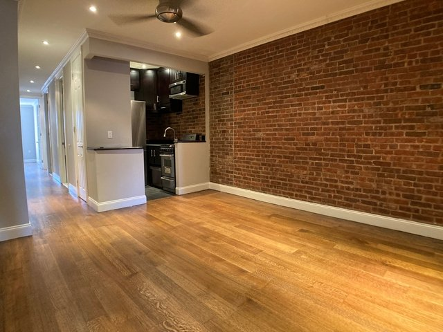 4 Bedrooms, Hell's Kitchen Rental in NYC for $3,520 - Photo 1