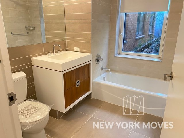 Studio, Hell's Kitchen Rental in NYC for $1,980 - Photo 1