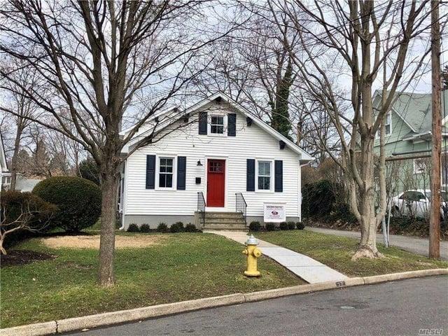 3 Bedrooms, Huntington Rental in Long Island, NY for $4,600 - Photo 1