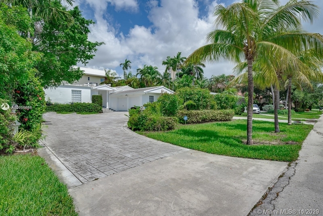 3 Bedrooms, Barrier Island Rental in Miami, FL for $7,000 - Photo 1
