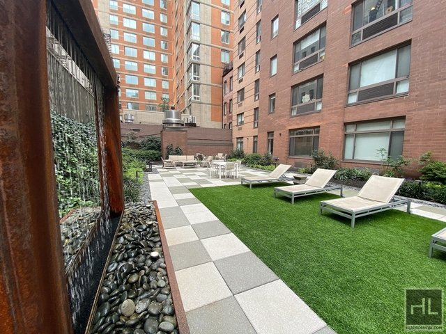 Studio, Hell's Kitchen Rental in NYC for $2,335 - Photo 1