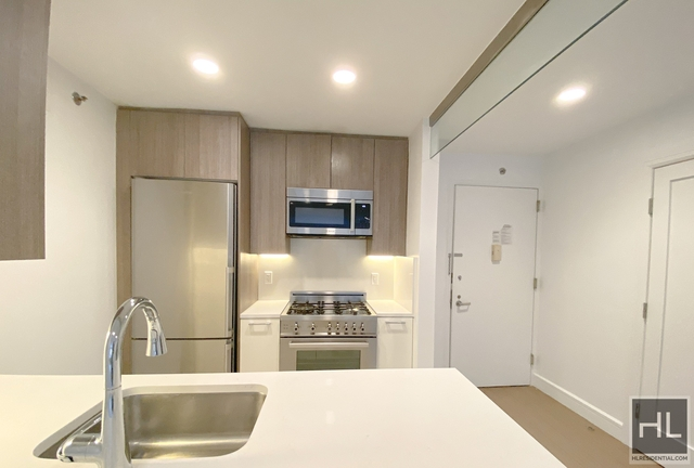 Studio, Hell's Kitchen Rental in NYC for $2,430 - Photo 1