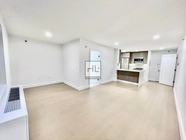 Studio, Hell's Kitchen Rental in NYC for $2,435 - Photo 1