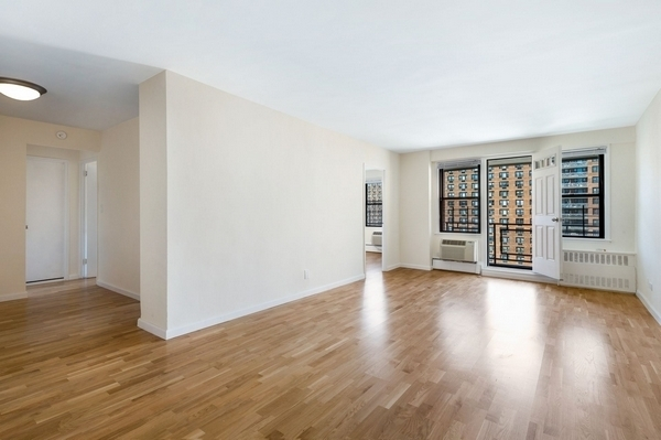 1 Bedroom, LeFrak City Rental in NYC for $1,945 - Photo 1