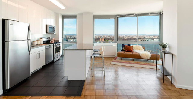 2 Bedrooms, Hell's Kitchen Rental in NYC for $5,710 - Photo 1