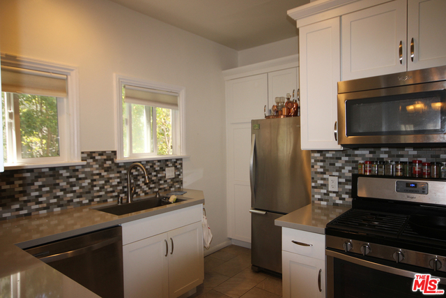 2 Bedrooms, Mid-City West Rental in Los Angeles, CA for $3,000 - Photo 1