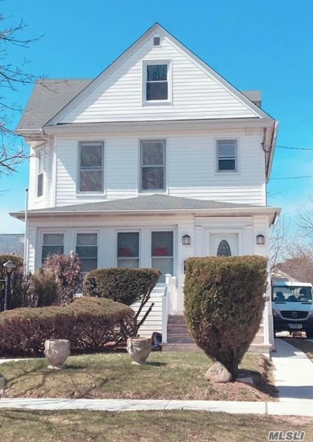 2 Bedrooms, Lynbrook Rental in Long Island, NY for $2,600 - Photo 1