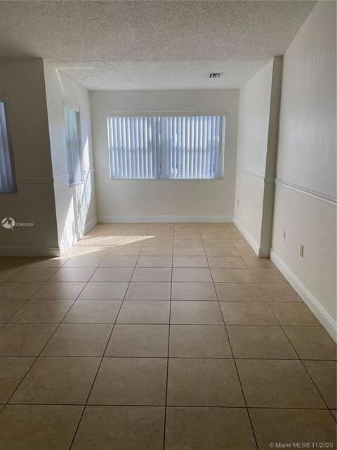2 Bedrooms, Pelicans Point Rental in Miami, FL for $1,500 - Photo 1